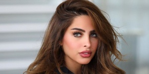 """بفيديو """"الشعر الأشقر"""".. فوز الفهد تثير الجدل وتوجه اتهامات للفتيات بتقليدها"""