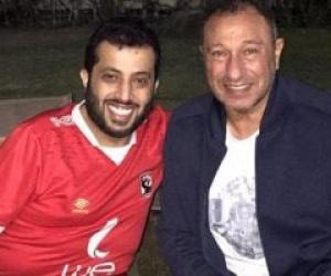 """تركي آل الشيخ يهدي جماهير النادي الأهلي أغنية """"وسع للبطل"""""""